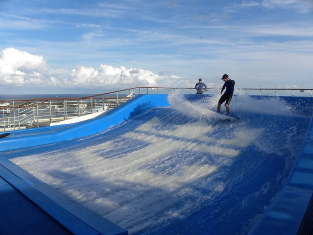 Oasis of the Seas Flow Rider