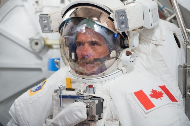 chris_hadfield space suit