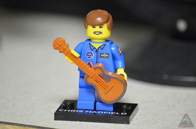 Lego chrishadfield01-lg